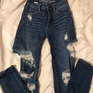 High wasted american eagle jeans with rips 00